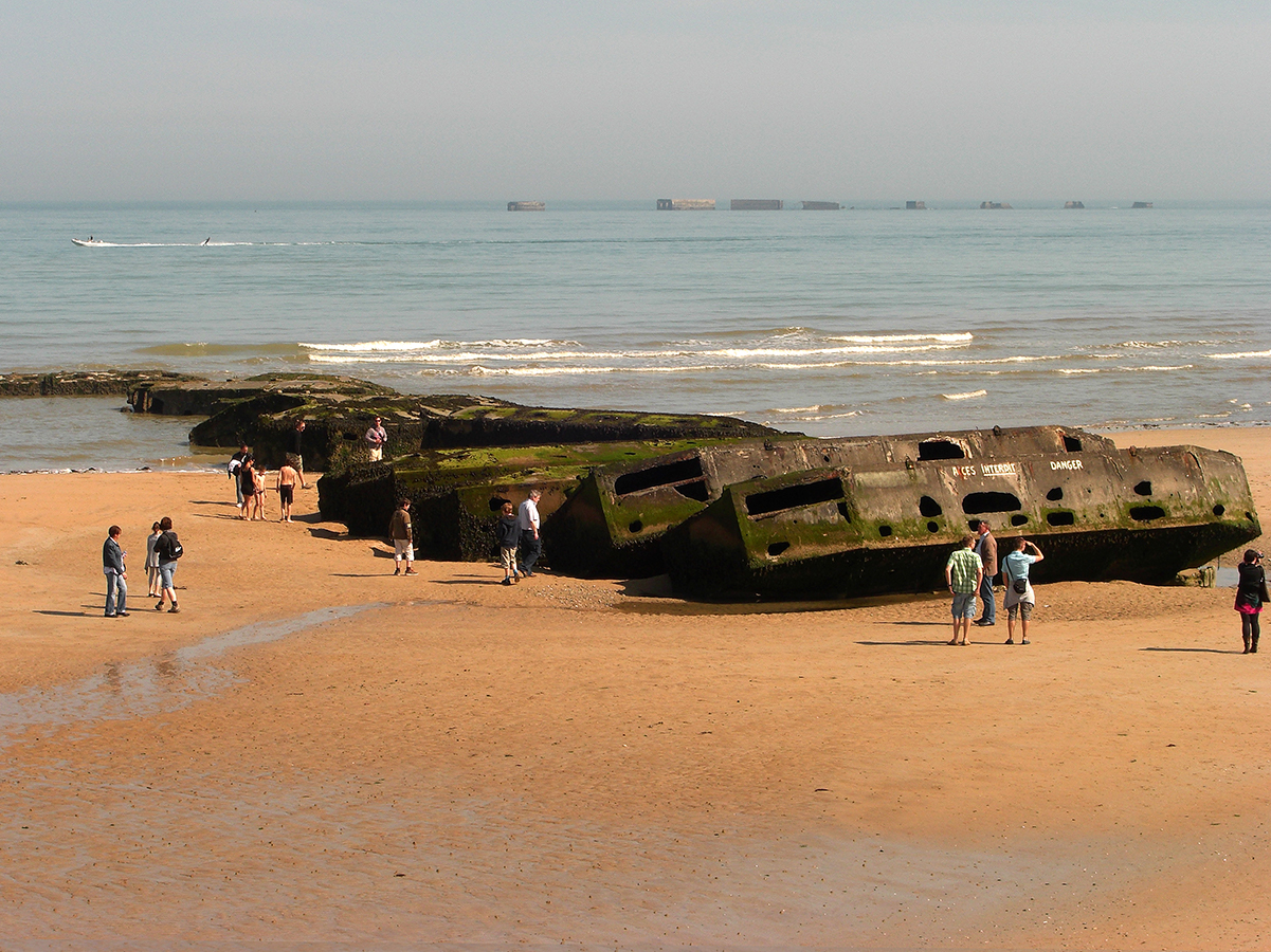 french school trips beach WW2